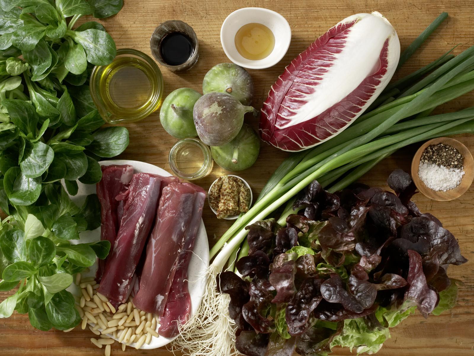 herbstlicher salat mit lammfilet rezept eat smarter. Black Bedroom Furniture Sets. Home Design Ideas