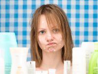 Akne bei erwachsener Frau