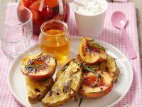 Pfirsiche und Ananas vom Grill