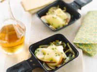 Apfel-Käse-Raclette