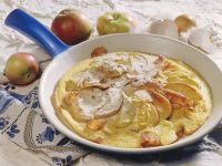 Apfel-Omelette mit Speck