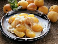 Aprikosen mit Vanillecreme