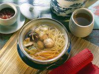 Asia-Suppe mit Fleischbällchen
