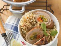 Asiatische Rouladen mit Paprikagemüse