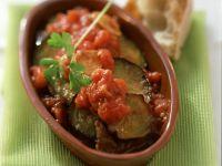 Auberginenscheiben mit Tomatensoße
