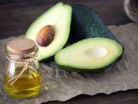 Avocadoöl und Avocados