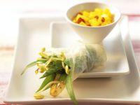Bärlauch-Sprossen-Wickel mit Reispapier
