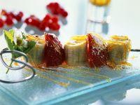 Bananen-Erdbeerspieße mit Karamell