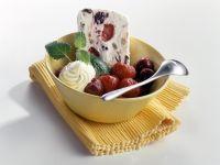 Beschwipstes Früchteparfait