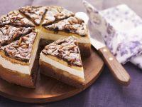 Birnen-Baiser-Torte mit Pinienkernen