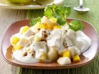 Birnen-Pfirsich-Joghurt auf indische Art (Raita)