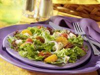 Blattsalat mit grünem Spargel