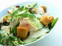 Blattsalat mit Hähnchenbrust