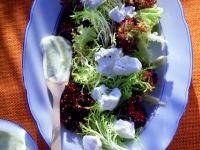 Blattsalat mit Ricotta und Kartoffeldressing