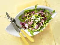 Blattsalat mit Roter Bete und Feta
