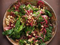 Bohnen-Brokkoli-Salat mit Nüssen