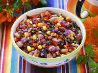 Bohnen-Mais-Salat aus Mexiko