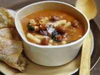 Nudeln-Bohnen-Suppe