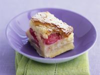 Brotpudding mit Rhabarber auf englische Art