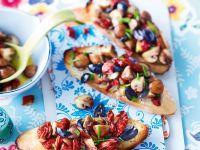 Bruschetta mit Champignons und getrockneten Tomaten
