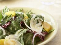 Bunter Salat mit Orange