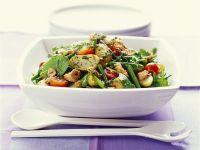 Bunter Thunfischsalat mit Kartoffeln und grünen Bohnen