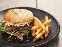 Burger mit Coleslaw