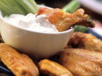 Chicken Wings mit Käsesauce