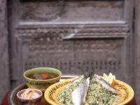 Couscous mit Kräutern und Fisch