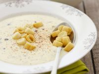 Cremige Käsesuppe mit Croutons