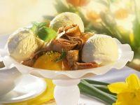 Crêpes-Röllchen mit Pfirsich