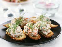 Crostini mit Flusskrebssalat