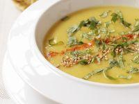 Curry-Pastinaken-Suppe mit Koriander