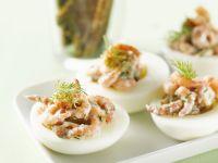 Eier mit Dillkrabben