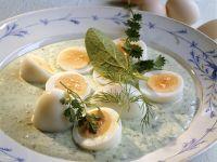 Eier mit grüner Sauce