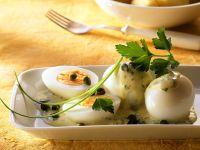 Eier mit Senfsauce und Kartoffeln