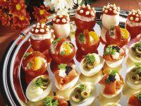 Eier und Tomaten mit Füllung