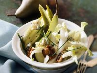 Endiviensalat mit Birnen, Gorgonzola und Walnüssen