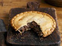 Englische Rindlfeischpastete (Steak and Ale Pie)