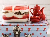 Erdbeer-Quark mit Schwarzbrot