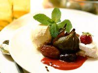 Feigen-Dattel-Dessert mit Vanilleeis