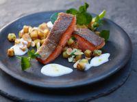 Fisch in Weinsauce mit Kartoffeln