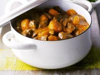 Fleisch-Karotten-Eintopf dazu grüne Bohnen