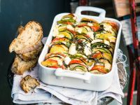 Französischer Gemüsetian mit Käse