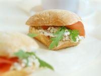 Frischkäse-Lachsschinken-Sandwich