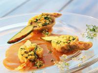 Frittierte Zucchiniblüten mit Gemüsefüllung