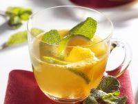 Fruchtige Bowle mit Mango