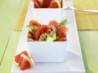 Fruchtiger Avocadosalat mit Grapefruit