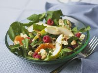 Fruchtiger Salat mit Roquefort