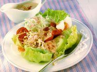 Gado Gado: Indonesischer Salat mit Erdnusspaste